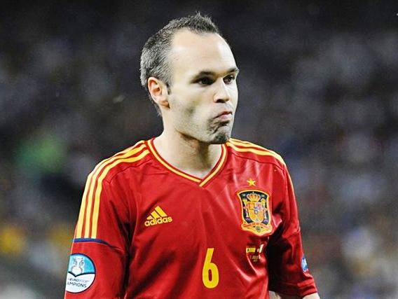Andrés_Iniesta_Euro_2012_final
